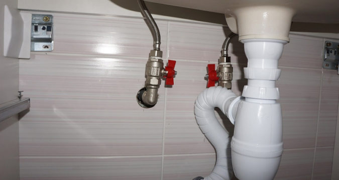 Кухонная раковина и унитаз: подсоединение сантехнических наборов в доме
