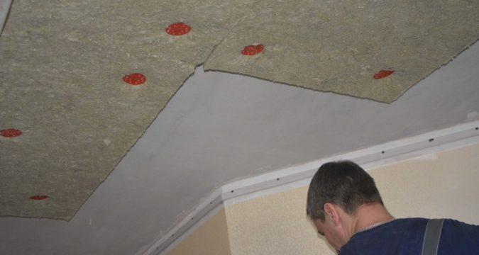 Как провести шумоизоляцию потолка
